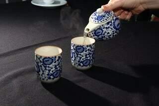 Chá digestivo com ervas chinesas é oferecido após as refeições e sem custo adicional