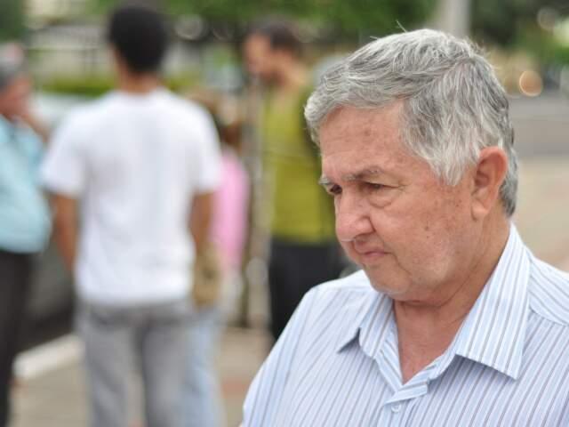 Emocionado, pai de vereador espera condenação de pistoleiro e contratante do crime. (Foto: Marlon Ganassin)