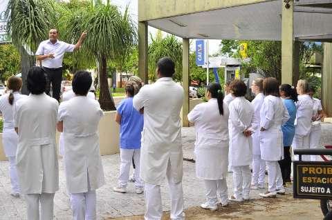 Hospital atrasa salários e MPT pede bloqueio de verba para pagamento