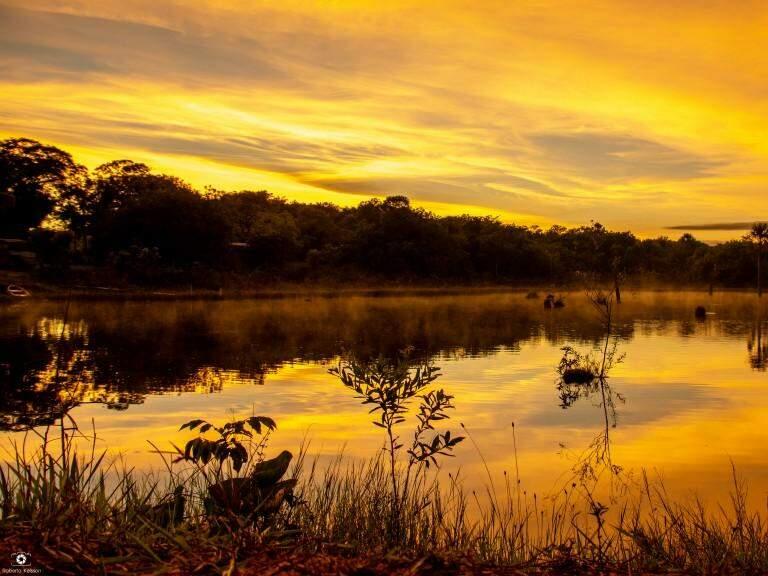 Pôr do sol em Corguinho (Foto: Roberto Kelsson)