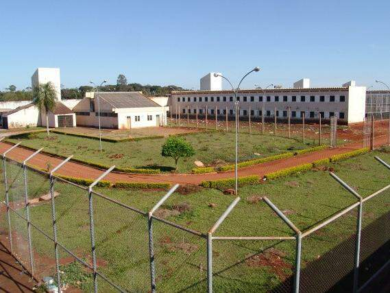 Com capacidade para 718 presos, atualmente a penitenciária esta com superlotação de 2.400 internos. (Foto: Hedio Fazan/Jornal O Progresso)