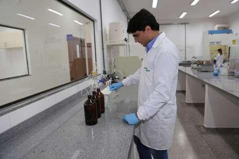 Laboratório monitora quanto de veneno vai parar nos rios da região sul