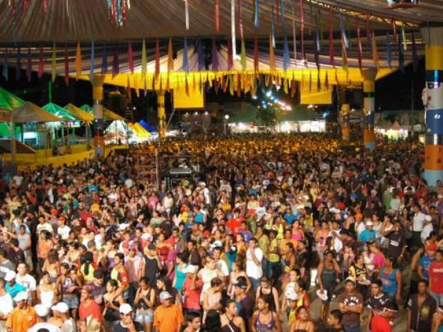 Paranaíba, que terá show de Michel Teló, deve receber 30 mil foliões. (Foto: Divulgação)