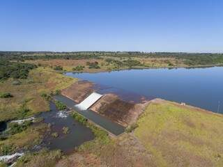 Represa do córrego Guariroba, na saída para Três Lagoas. (Foto: Divulgação)