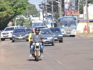 Avenida Bandeirantes terá pavimento trocado (Foto: Alcides Neto)