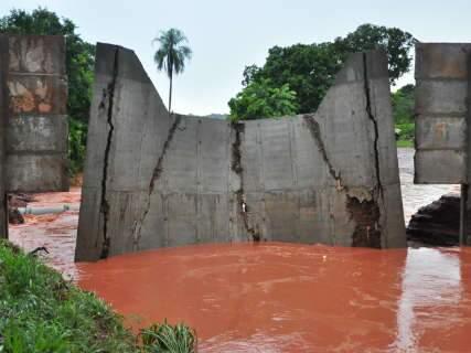 Crea visita obras danificadas pela força da chuva de quinta-feira