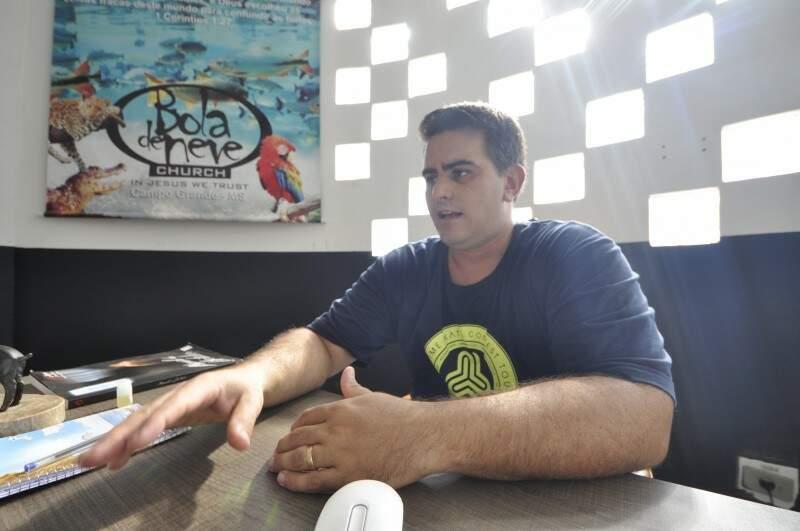 Pastor Felipe é responsável pela igreja em Campo Grande. (Foto: Marcelo Calazans)