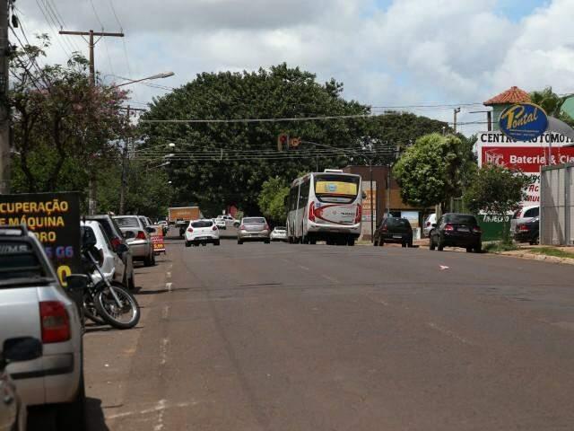 Rua Brilhante terá asfalto novo (Foto: Marcos Ermínio)