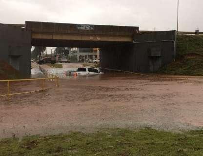 Chuva soma 70 milímetros em 24 horas em duas cidades de MS