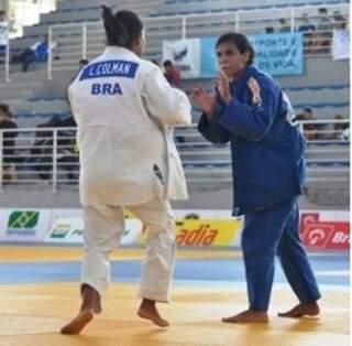 Layana Colman medalhista no Mundial Sub 18 na final contra a atleta do RJ. (Foto: Divulgação)