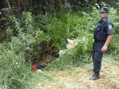 Corpo foi encontrado em estrada vicinal na fronteira (Foto: Porã News)