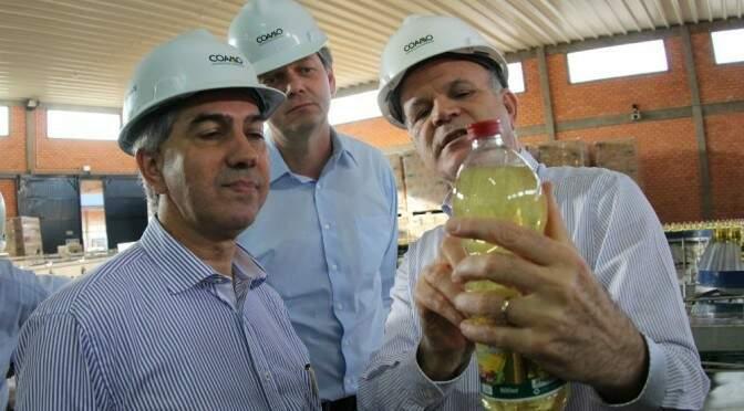 Governador Reinaldo Azambuja visitou cooperativa em Campo Mourão, no Paraná, no dia 1º de julho (Foto: Divulgação/Governo de MS)