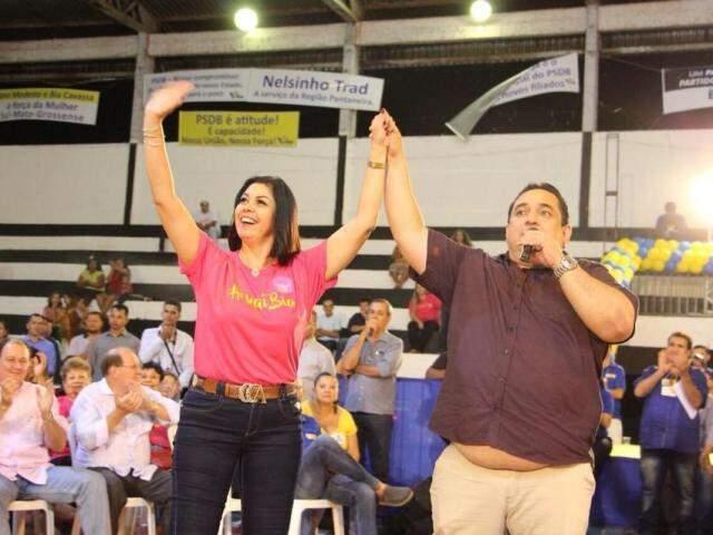 Beatriz Cavassa ao lado do prefeito de Corumbá, Marcelo Iunes (Foto: Reprodução - Facebook)