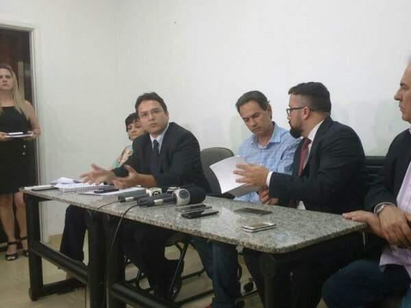 Em destaque, secretário de Finanças, Pedrossian Neto, fala do esforço em negociar dívida com hospitais. (Foto: Alberto Dias)
