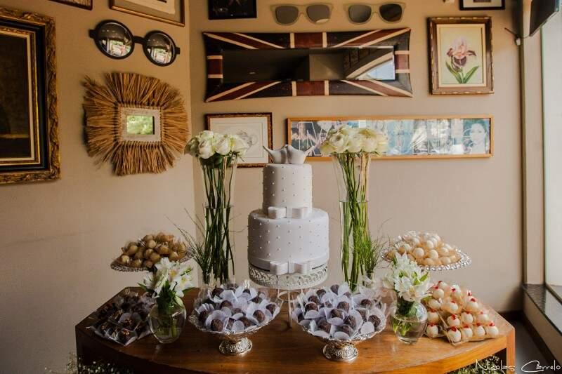 Detalhes da mesa de doces. (Foto: Nicolas Carrelo)