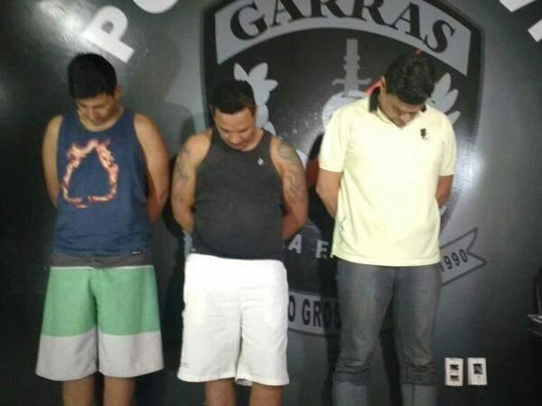 Allan, Eraldo e Júlio foram apresentados pelo Garras nesta sexta-feira (Foto: Amanda Bogo)