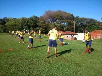 Comercial inicia treinos com bola e técnico começa definir time para a Série D