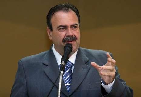 """TCE """"chancelou"""" relatório da CPI do Calote, avalia ex-presidente Siufi"""