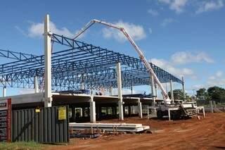 Em fase de construção, loja terá investimento de R$ 30 milhões. (Foto: Cleber Gellio)