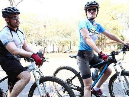 Com lei na gaveta, ciclistas e carros dividem espaço no Parque dos Poderes