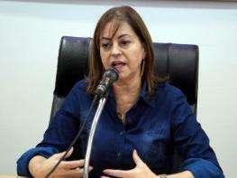 Após busca em gabinete, vereadora é levada para depor no Gaeco