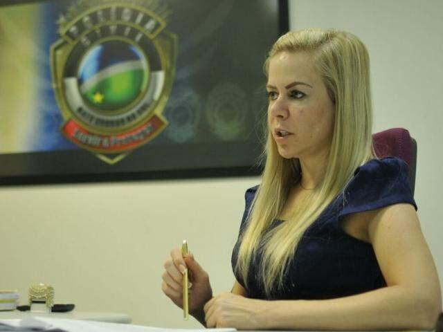Delegada Claudia Angélica Gerei, responsável pelo caso. (Foto: Alcides Neto)