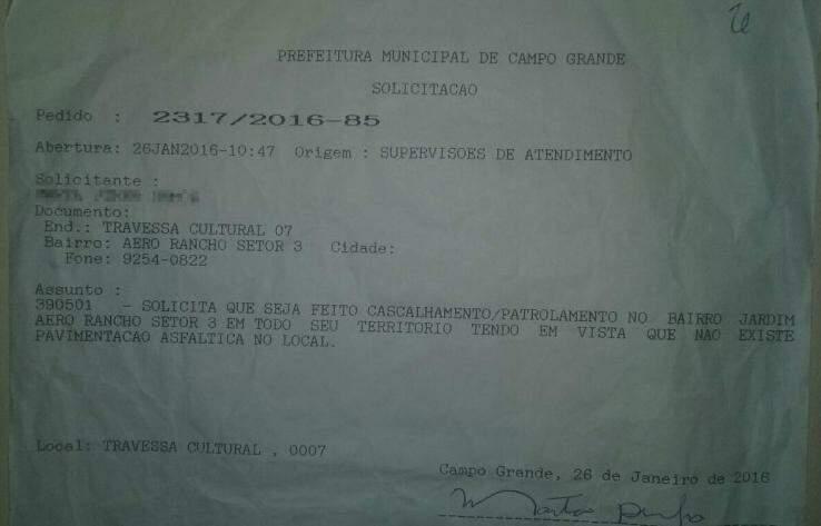 Solicitação à Seintrha que, segundo moradora, foi feita a um ano. (Foto: Direto das Ruas)