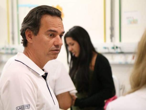 Marquinhos Trad durante visita ao Hospital Universitário. (Foto: Marcos Ermínio)