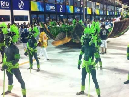 Escola que usou Corumbá como tema é uma das favoritas no Rio