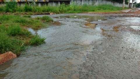 Chuva deixa moradores em alerta e causa problemas nas Moreninhas