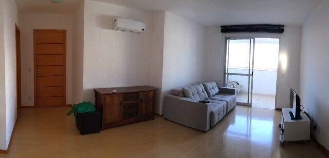 Apartamento antes da reforma e decoração (Foto: Silvia Bocchnia)