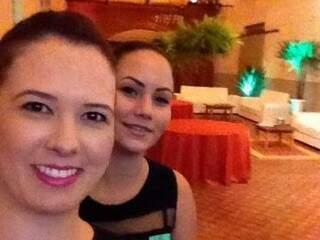Aline Palma Padilha, a ex nora, com Kamila de Souza. (Foto: Reprodução Facebook)