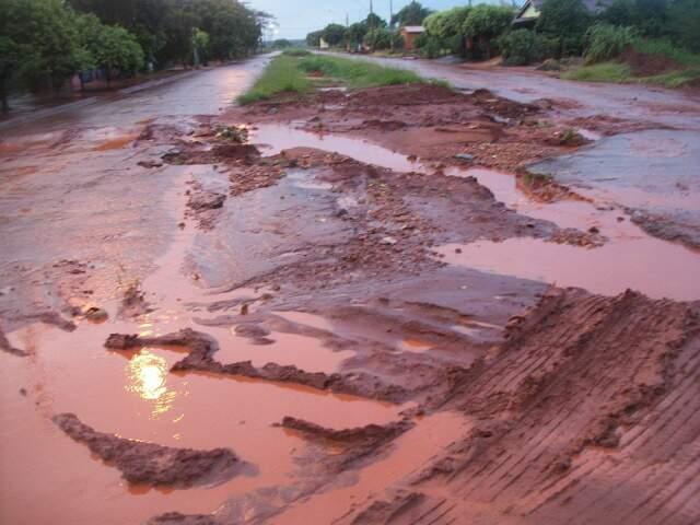 Avenida de Selvíria fica assim quando chove.