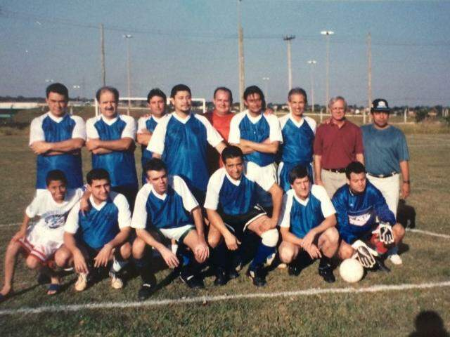 Uma das fotografias da turma do futebol em 1994.
