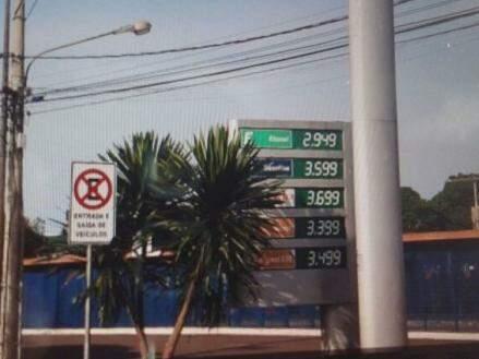 Gasolina subiu R$ 0,18 em um mês em Campo Grande e pode ser encontrada por R$ 3,59 em postos da Capital. (Foto: Direto das Ruas)