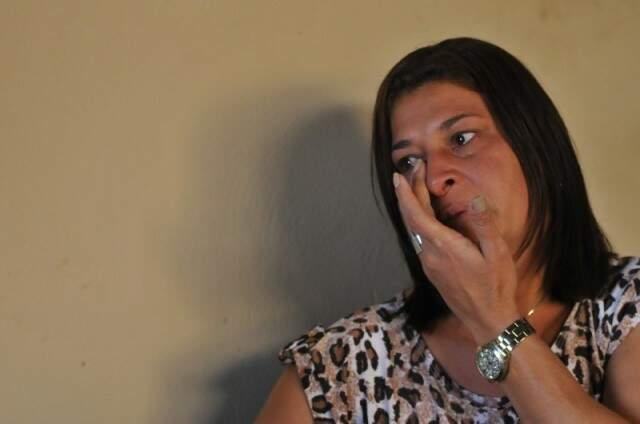 Mãe da manicure, Lucimar Vieira Guilhermete, 40 anos, em entrevista ao Campo Grande News em julho de 2016. (Foto: Alcides Neto/ Arquivo)