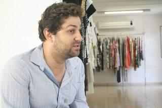 Gustavo conta que deixou os fornecedores à vontade e para surpresa deles, ninguém recusou o convite de fazer a cerimônia.