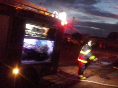 O corpo de bombeiros foi até o local mas as chamas já haviam sido apagadas. (Foto: Arquivo Pessoal)