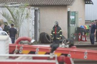 Quando bombeiros chegara, o fogo já havia sido controlado pela Brigada de Incêndio da empresa. (Foto: Marcos Ermínio)