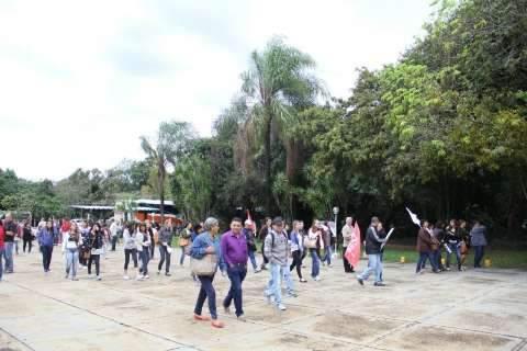 """TJ faz proposta """"misteriosa"""" para acabar com greve dos professores"""