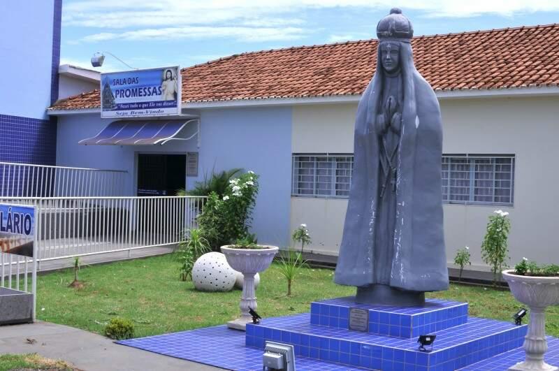 O que resta aos moradores da cidade abençoada por Nossa Senhora Aparecida, é rezar para que chova. (Foto: Alcides Neto)