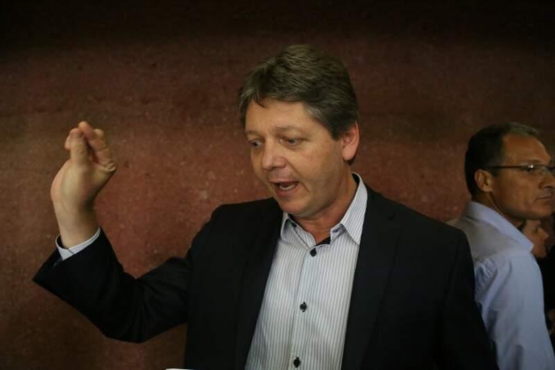 Jaime Verruck explica que se esse contrato for encerrado, será o fim da ferrovia no Estado. (Foto: Fernando Antunes)