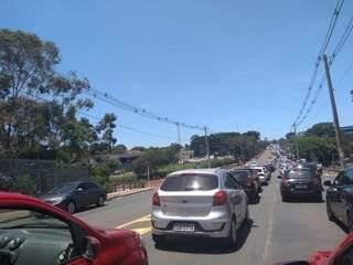 Tráfego na Rua Ceará, na região da Uniderp, em dia de concurso no ano passado.  (Foto: Mirian Machado)