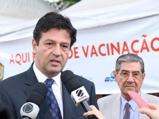 Ministro Luiz Henrique Mandetta, durante lançamento da campanha de vacinação na Capital. (Foto: Henrique Kawaminami)