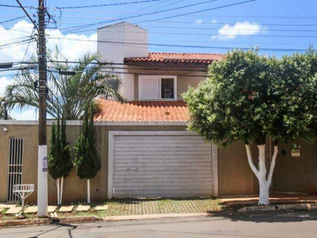 Caixa leiloa sobrado de R$ 1 milhão no Chácara Cachoeira e mais 3 imóveis