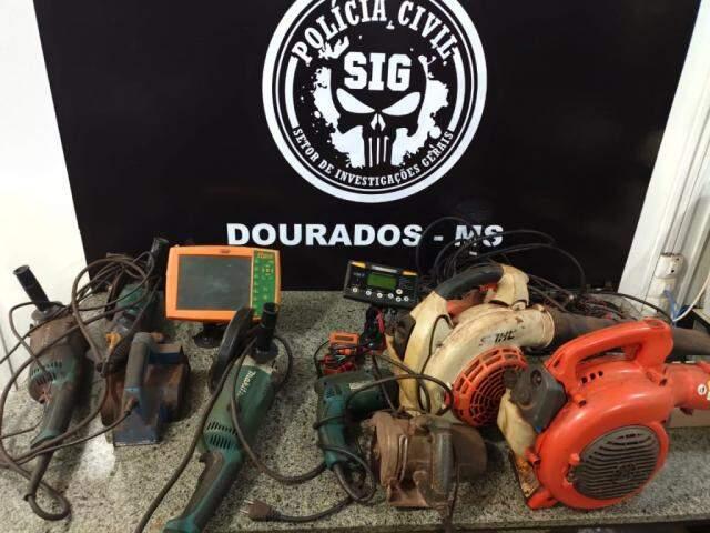 Equipamentos furtados de fazenda em Naviraí. (Foto: Divulgação/Polícia Civil)