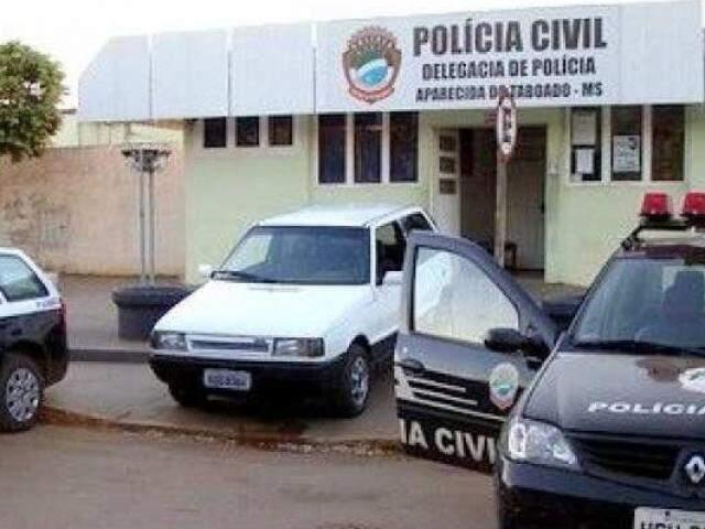 Fachada da delegacia de Aparecida do Taboado. (Foto: Reprodução/Infoco Bolsão)