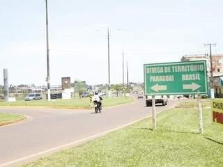 Linha de divisão entre o Paraguai e o Brasil em Ponta Porã (Foto: Helio de Freitas)