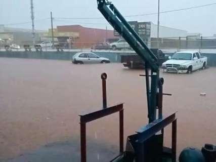 Chuva de 65,2 milímetros deixou ruas intransitáveis em município