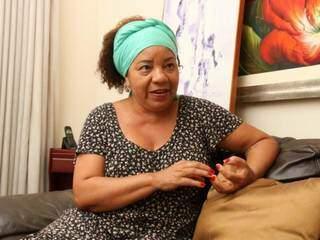 Para Bartolina, que é pós-doutora em Educação, o receio de se declarar vem do peso de reconhecer toda a mazela a que os negros foram expostos ao longo dos anos no Brasil. (Foto: Marcos Maluf)